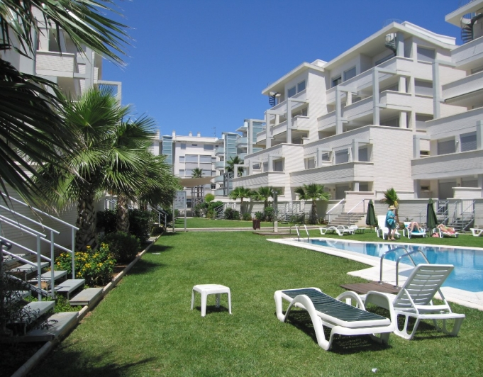 A32 2 bedroom apartment in second line beachfront for sale in Las Marinas, Denia - Property Photo 2