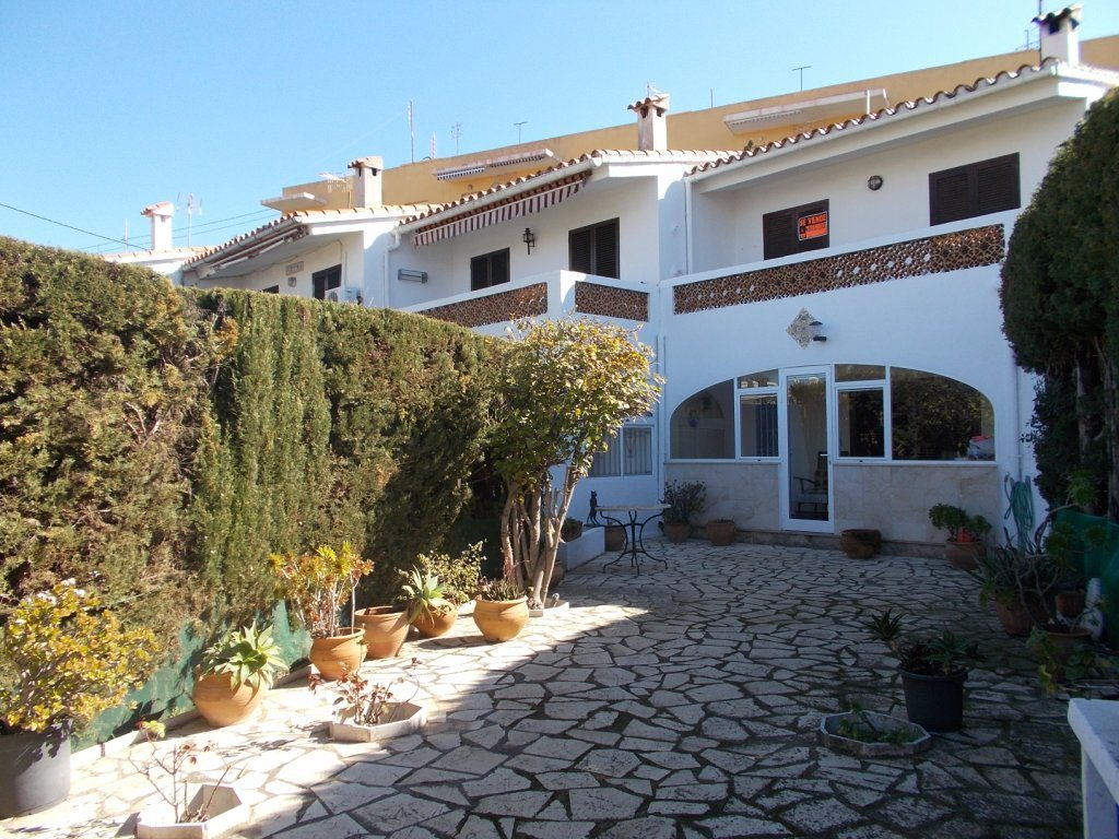 B34 First line beach 3 bedroom bungalow for sale in Las Marinas, Denia - Property Photo 4