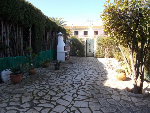 B34 Bungalow en première ligne de 3 chambres à vendre à Las Marinas, Denia - Photo