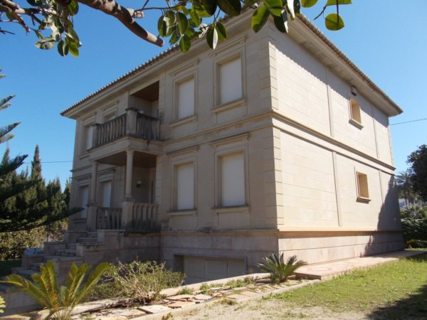 V42   Luxury villa of 5 bedrooms in first line of sea for sale in las Rotas, Denia, Alicante - Photo