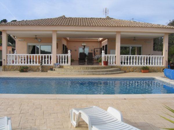 VP36  Chalet de 3 habitaciones con piscina en venta en Pedralba, Valencia - Foto