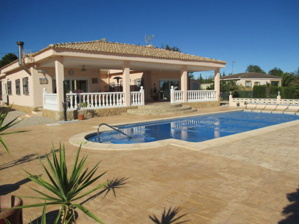 VP36  3 bedroom villa with pool for sale in Pedralba, Valencia - Photo