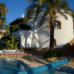 VP60    5 bedroom villa with pool for sale with sea views on the Montgó, Denia
