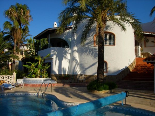 VP60    5 bedroom villa with pool for sale with sea views on the Montgó, Denia - Photo