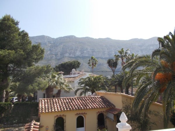 V13   Villa and guest apartment with 4 rooms for sale near the Montgó, Denia - Photo