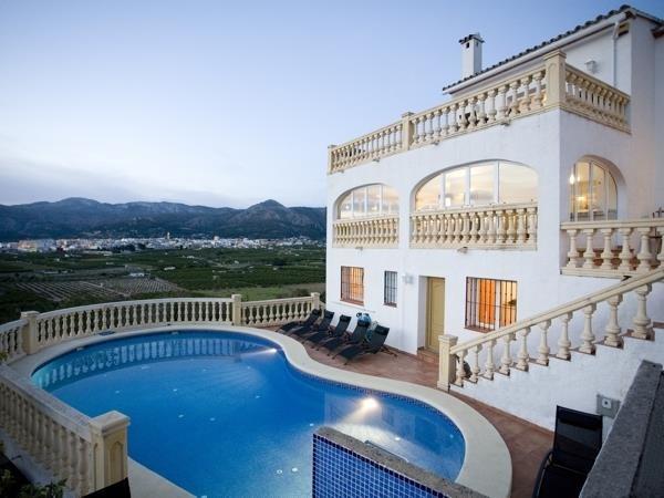 VP93    Beautiful 12 bedroom villa  with 2 pools for sale near Pego, Alicante - Photo