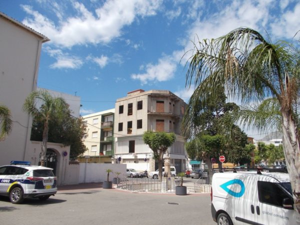 V15   Building of 400m2 for sale in the centre of Ondara - Photo