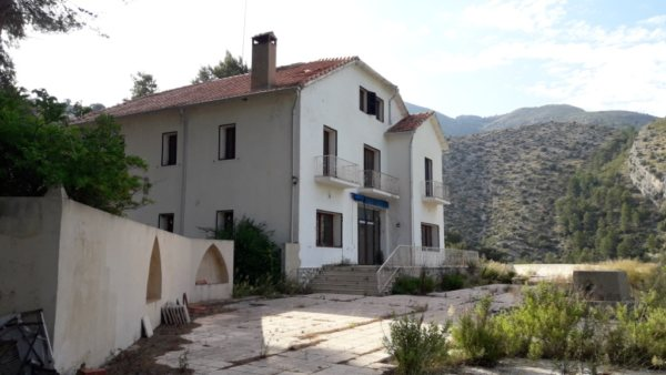 VP96 Villa for sale with sea and mountain views in Vall de Laguar, Alicante, Spain - Photo