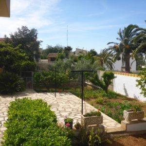 V19 Villa en venta en Denia con 4 dormitorios y vistas al mar