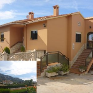 V19 Villa for sale in Denia with 4 bedrooms and sea views