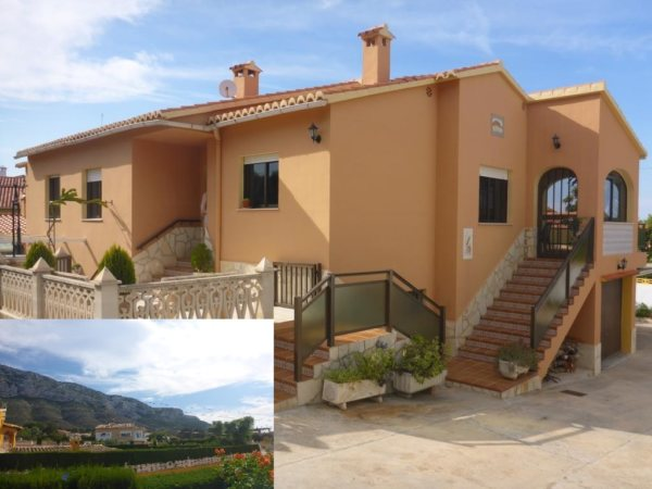 V19 Villa for sale in Denia with 4 bedrooms and sea views - Photo