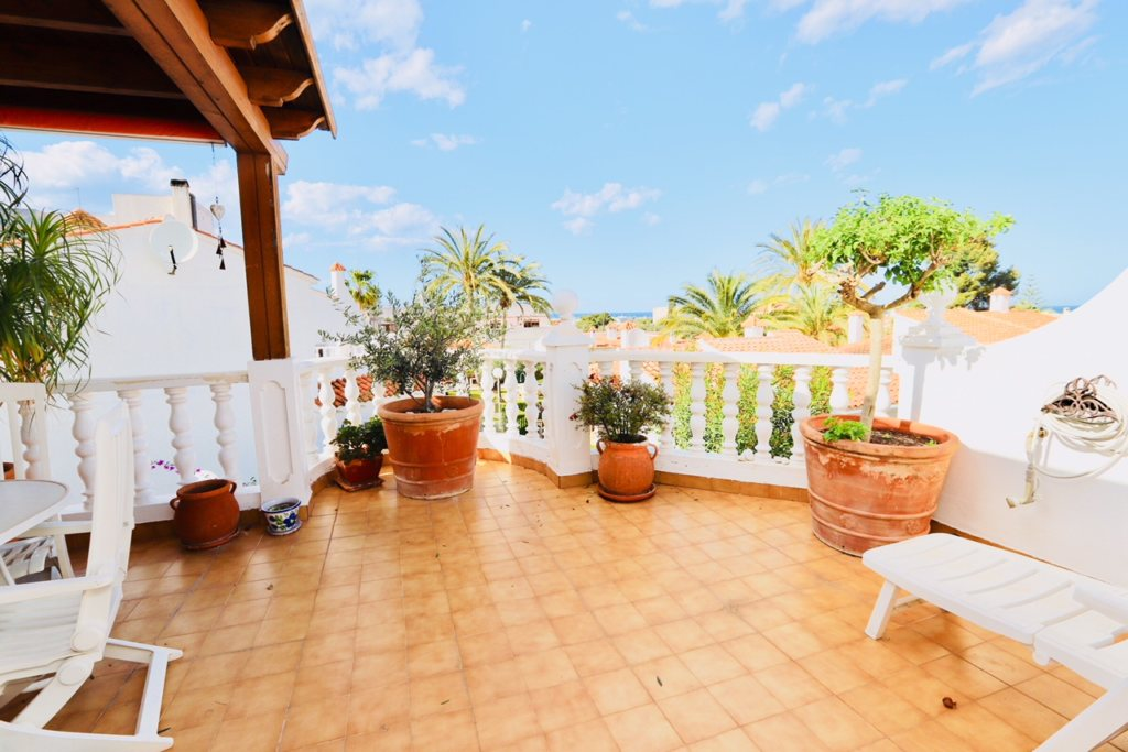 B8 Terraced house for sale in Denia with 3 bedrooms and sea views - Property Photo 9