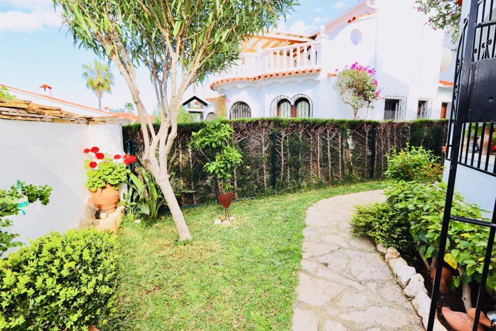 B8 Terraced house for sale in Denia with 3 bedrooms and sea views - Property Photo 10