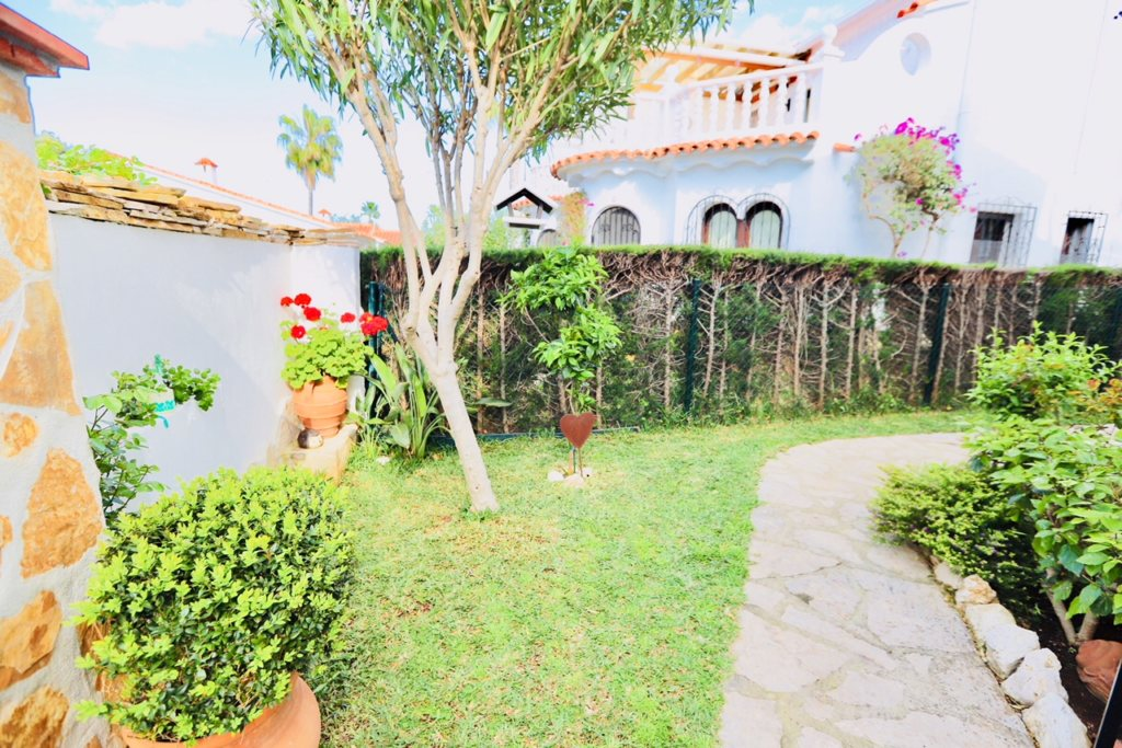 B8 Terraced house for sale in Denia with 3 bedrooms and sea views - Property Photo 11
