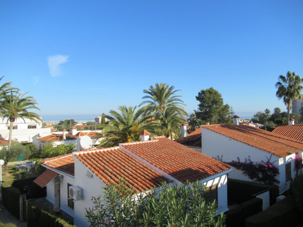B8 Terraced house for sale in Denia with 3 bedrooms and sea views - Property Photo 2