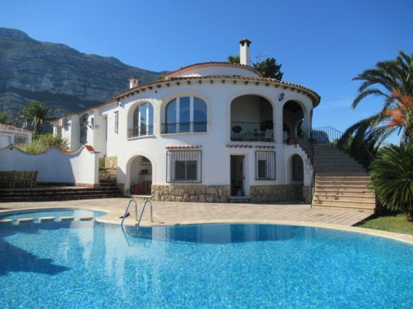 VP121 Large Villa for sale in Denia Spain with 8 bedrooms and sea views - Photo