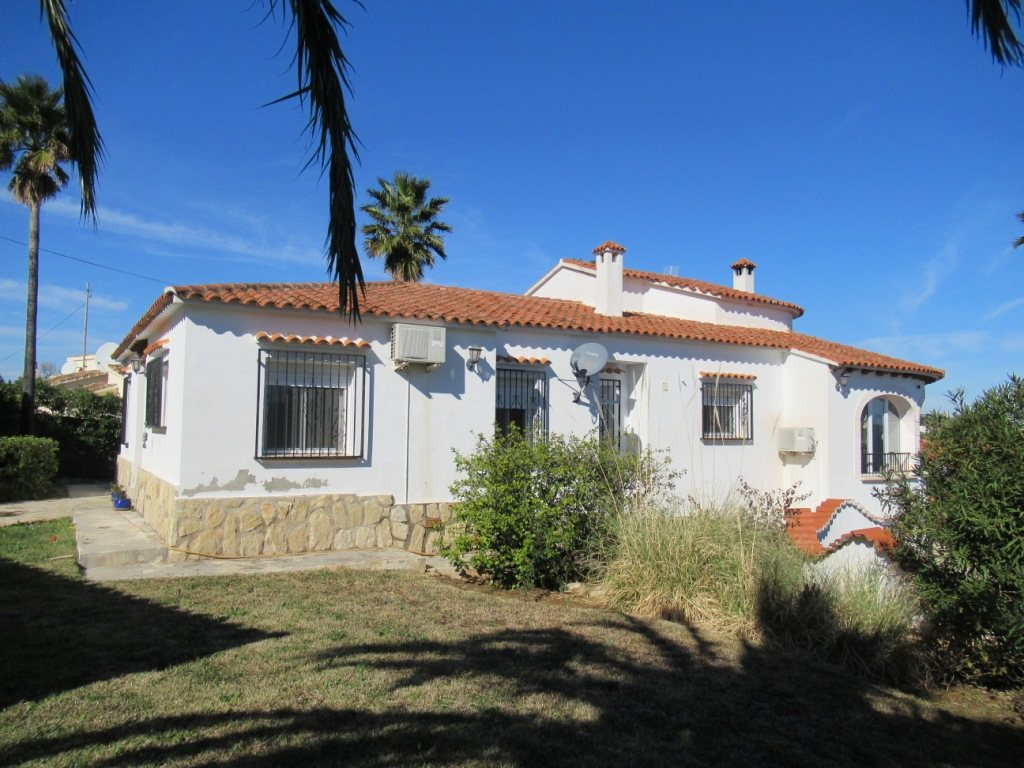 VP121 Large Villa for sale in Denia Spain with 8 bedrooms and sea views - Property Photo 9