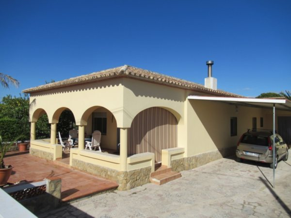 V5 Villa for sale near the Beach in Oliva, Spain - Photo