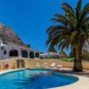 VP135 Villa for sale in Javea with large plot and pool