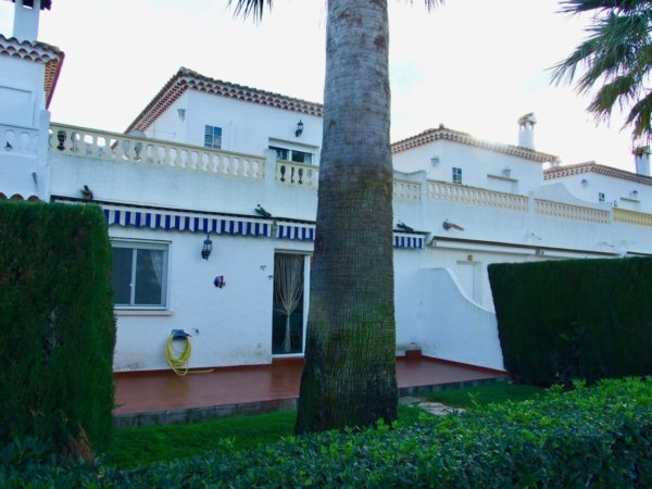 X-01237 Townhouse in DéNia with 3 Bedrooms - Photo