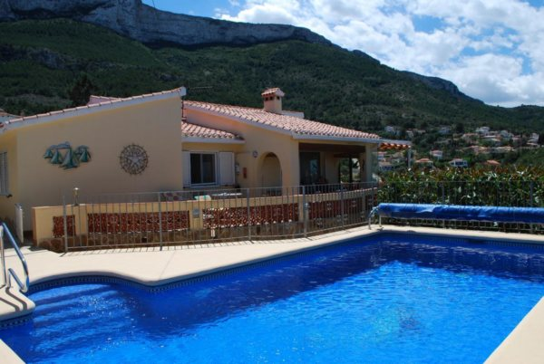 X-596 Villa in Dénia with 6 Bedrooms - Photo