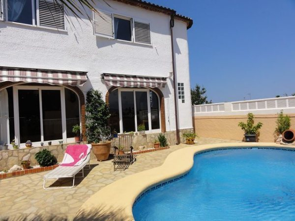 X-H-164 Villa in Els Poblets with 4 Bedrooms - Photo