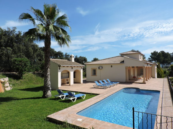 X-CH2018 Villa in Pedreguer with 3 Bedrooms - Photo
