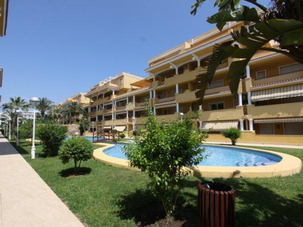 Ático A3 en venta con 3 dormitorios cerca de la playa en Denia, España - Foto