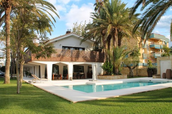 VP3 Luxury Villa for sale on the beach in Denia, Spain - Photo