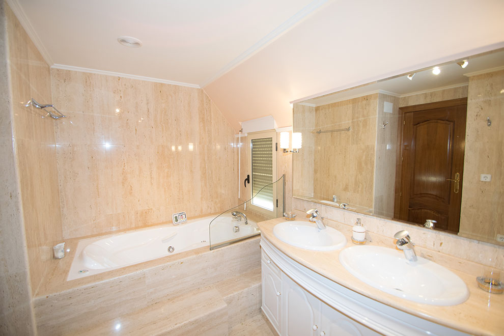 A4 Large Penthouse for sale in Denia center, Alicante, Spain - Property Photo 11