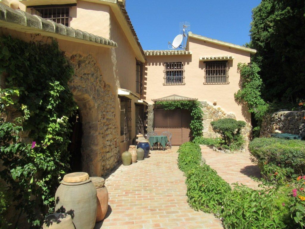 VP13 Exclusive Finca for sale in Pedreguer, Alicante, Spain - Property Photo 12