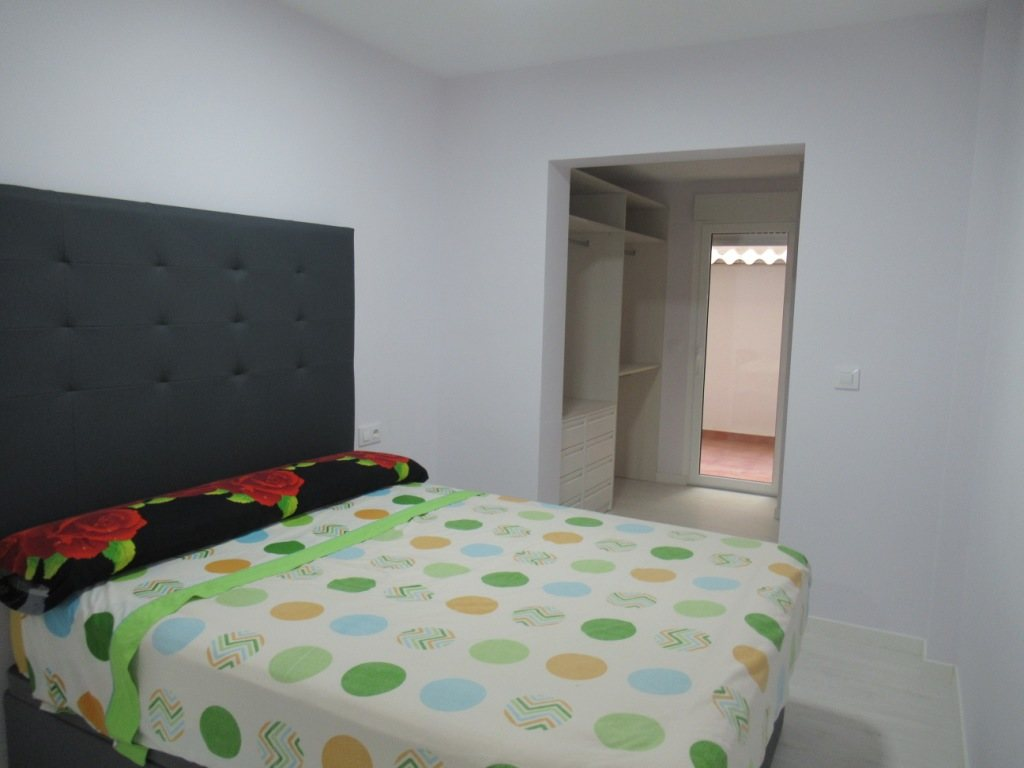 P10 Renovated town apartment for sale in Denia center - Property Photo 6