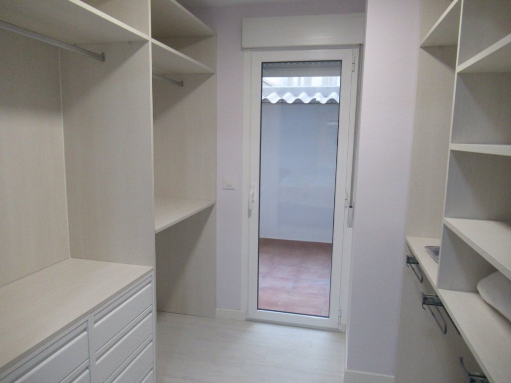 P10 Renovated town apartment for sale in Denia center - Property Photo 8