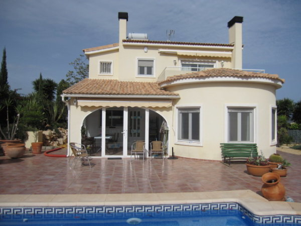 VP49 Villa For sale in Gata residencial with 3 bedrooms and pool - Photo