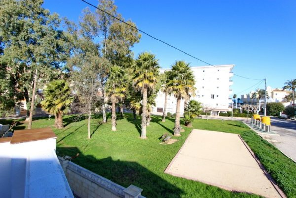 B37 Bungalow for sale in Denia (Spain) with 3 bedrooms near the beach - Photo