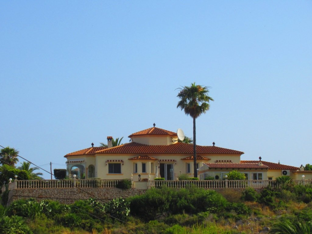 VP24 Villa for sale in Denia (Spain) with pool, sea and mountain views - Property Photo 29