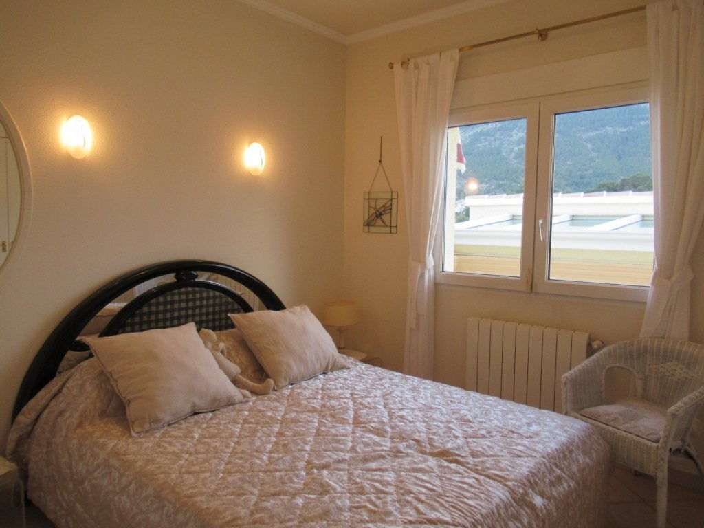 VP24 Villa for sale in Denia (Spain) with pool, sea and mountain views - Property Photo 19