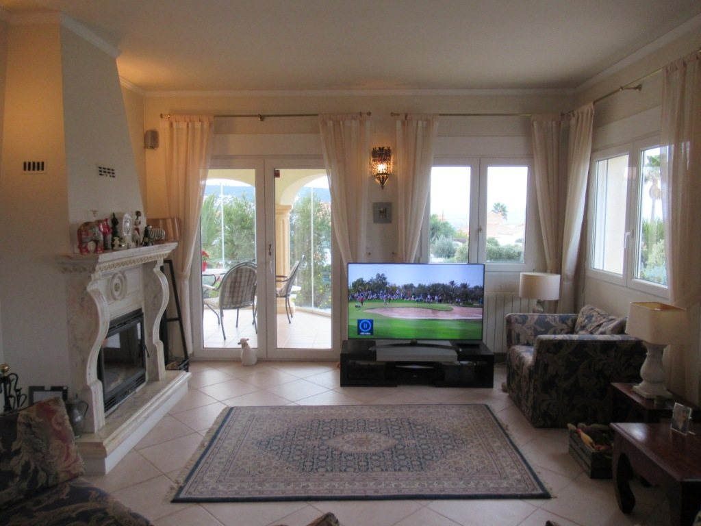 VP24 Villa for sale in Denia (Spain) with pool, sea and mountain views - Property Photo 12