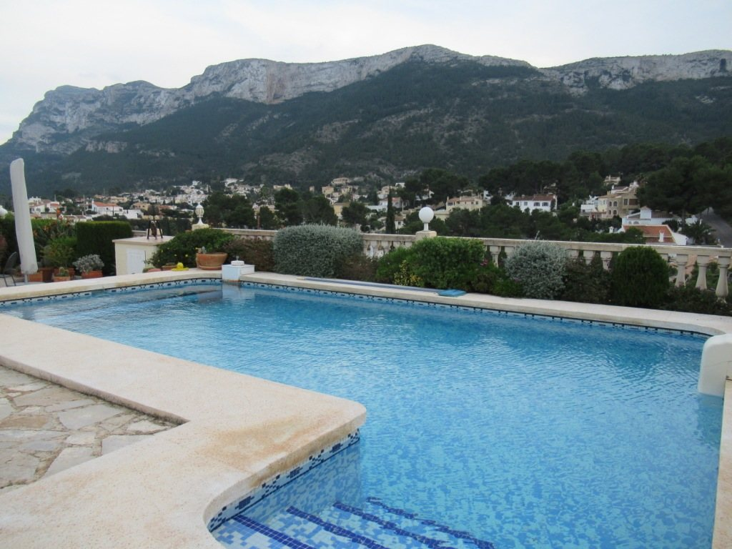 VP24 Villa for sale in Denia (Spain) with pool, sea and mountain views - Property Photo 27