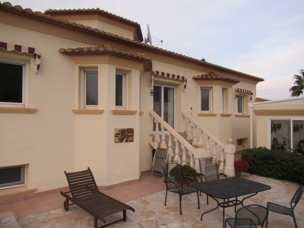 VP24 Villa for sale in Denia (Spain) with pool, sea and mountain views - Property Photo 5