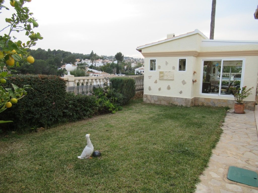 VP24 Villa for sale in Denia (Spain) with pool, sea and mountain views - Property Photo 25