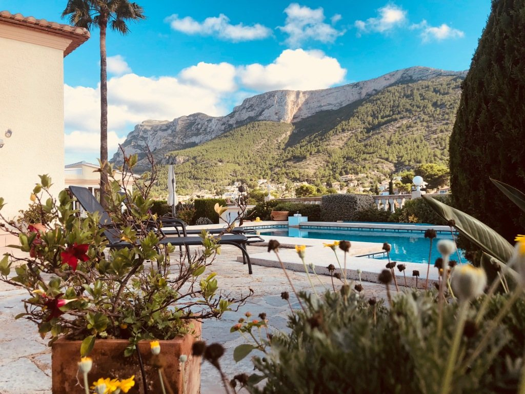 VP24 Villa for sale in Denia (Spain) with pool, sea and mountain views - Property Photo 2