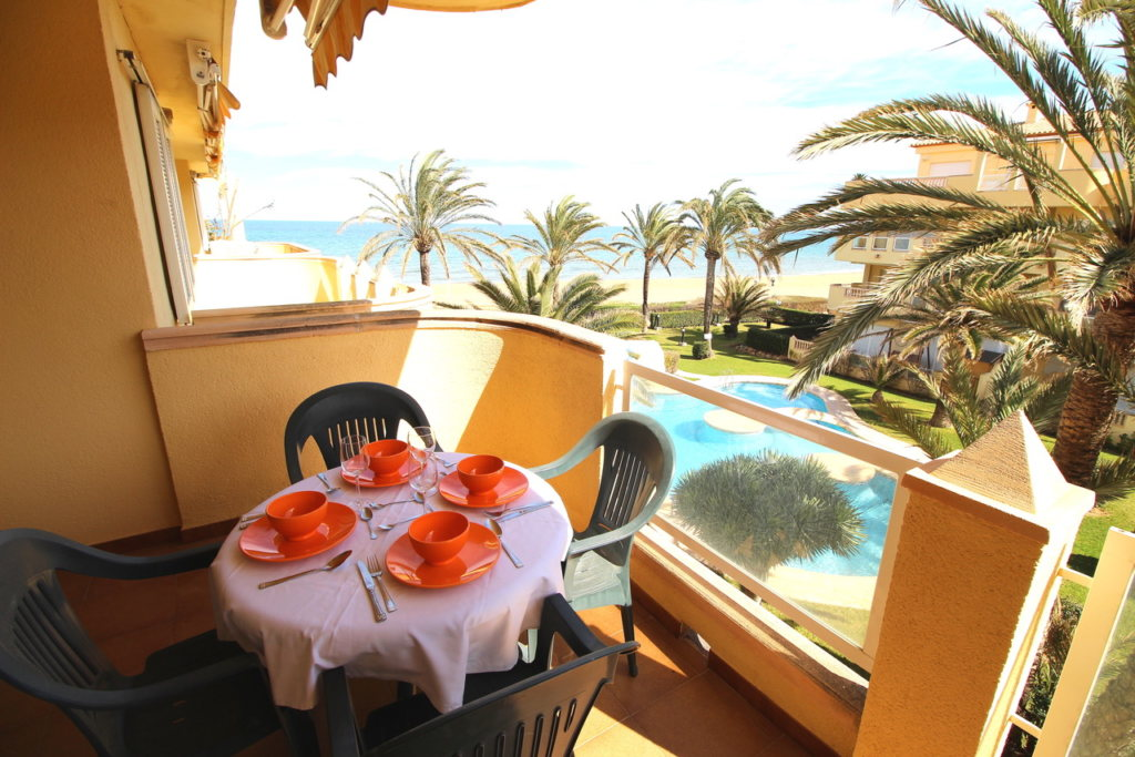 A30 Apartment for sale in Denia on first line beach with sea views - Property Photo 2