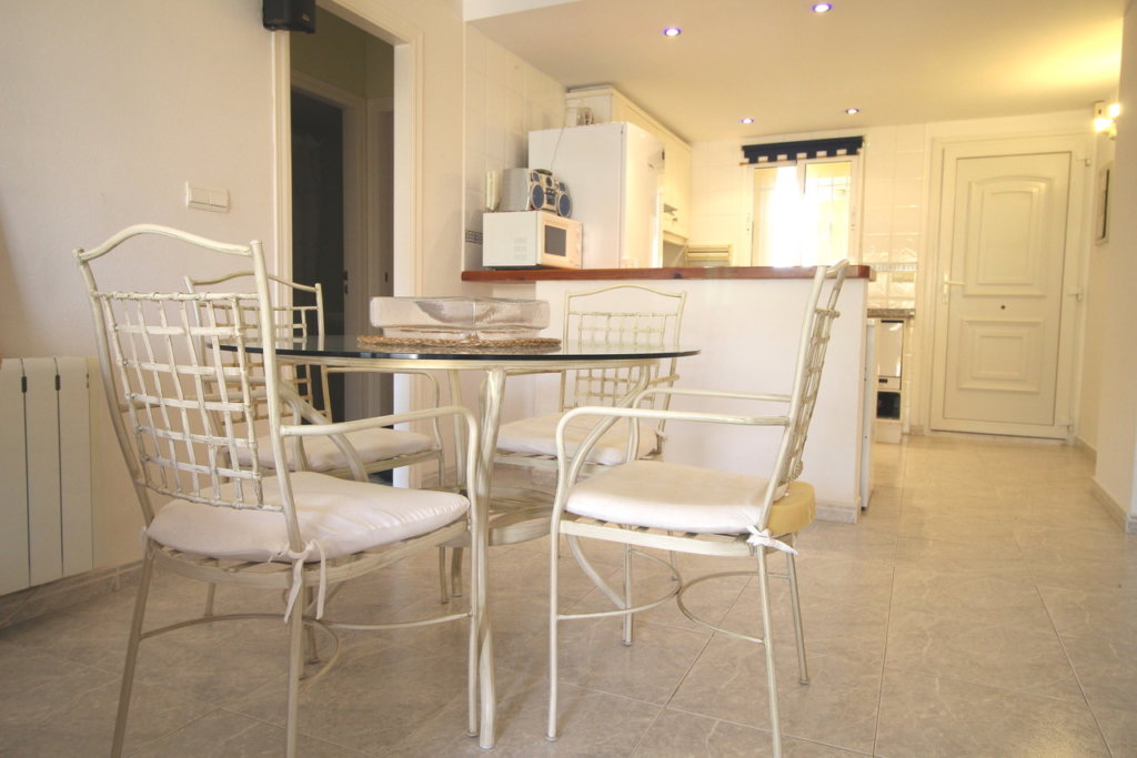 A30 Apartment for sale in Denia on first line beach with sea views - Property Photo 15
