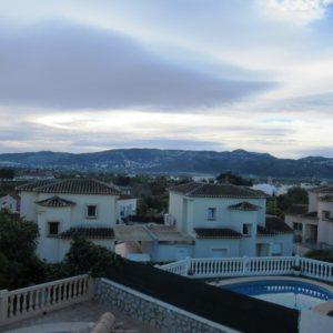 VP101 Chalet en venta en Beniarbeig con 3 dormitorios y piscina.