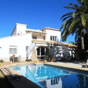VP50 Villa for sale close to Denia with guest accomodation and sea views