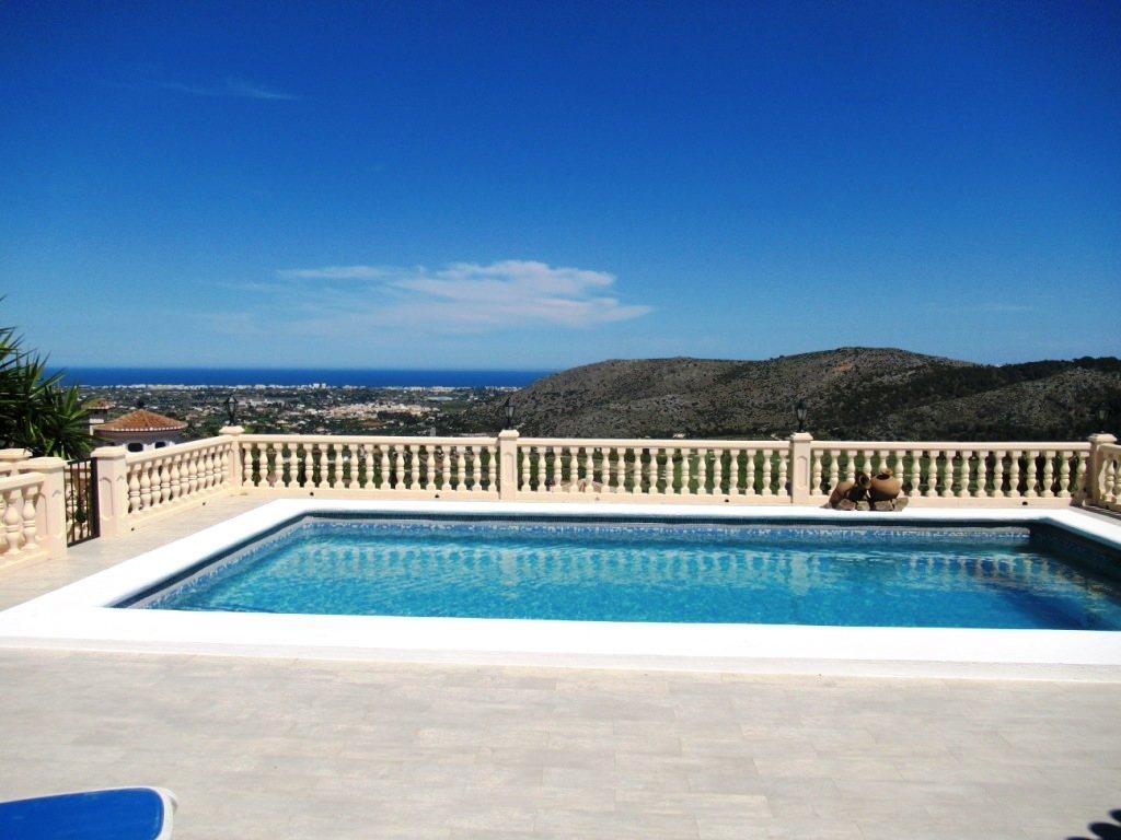 VP52 Chalet en venta en La Sella Golf con vistas panorámicas al mar en Alicante - Foto Propiedad 15