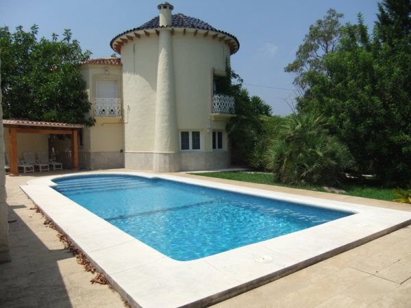 VP57 Villa for sale close to Denia with large plot of land and pool in Alicante, Spain - Photo
