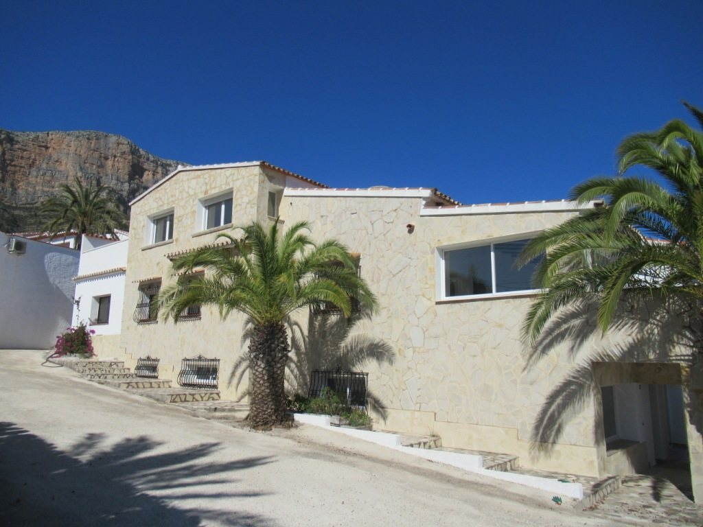 VP34 Business Villa for sale in Alicante, Spain - Property Photo 1