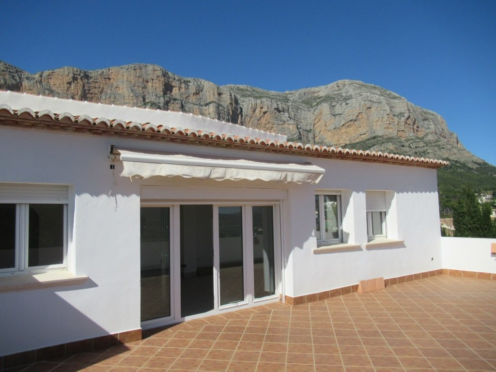 VP34 Business Villa for sale in Alicante, Spain - Property Photo 11